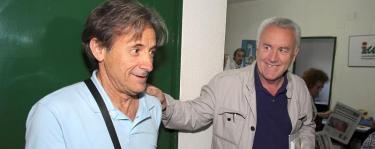 Pedro Escobar con Cayo Lara. | EFE