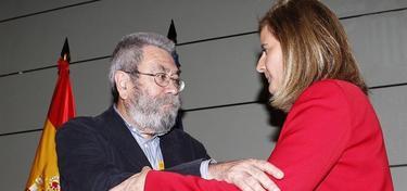 Fátima Báñez, junto a Cándido Méndez e Ignacio Fernández Toxo, este jueves. | EFE