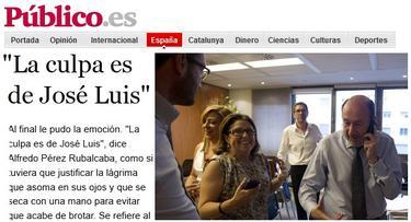 Información en Público.es sobre la foto de Rubalcaba en el momento de recibir el comunicado | Imagen Público.es/compisición LD