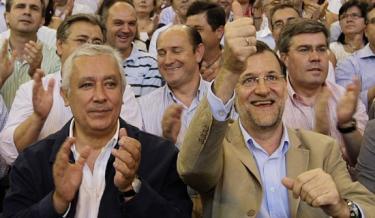 Mariano Rajoy, con Javier Arenas | Archivo