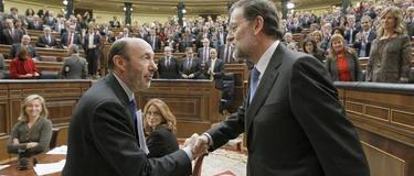 Rubalcaba felicita a Rajoy el día de su investidura | EFE/Archivo