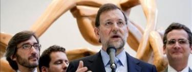 Rajoy, con Basagoiti y Oyarzábal en segundo plano.