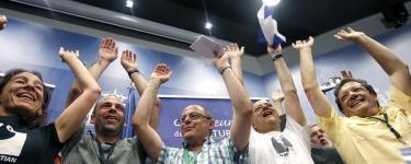 El alcalde Izaguirre y Odón Elorza entre otros miembros de la candidatura. | EFE