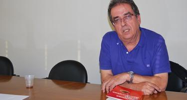 Santiago González, autor de Lágrimas socialdemócratas
