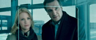 Liam Neeson y January Jones en Sin identidad