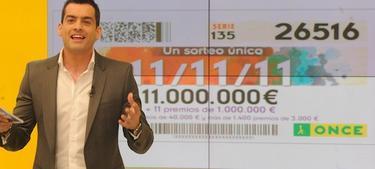 Momento en que se comunica el número ganador del sorteo | foto: ONCE