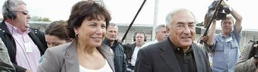 Strauss-Kahn, con su mujer. | Archivo