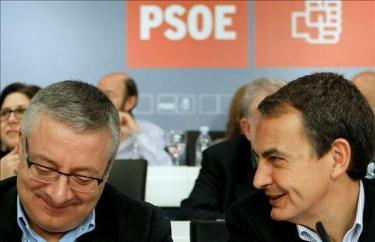 Blanco, junto a Zapatero en un comité federal | Archivo