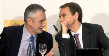 El presidente de la Junta andaluza, José Antonio Griñán, junto a Zapatero   Archivo