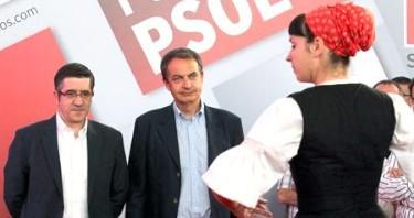 Zapatero con Patxi López en Durango | EFE