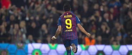 Alexis celebra uno de sus dos goles. | EFE