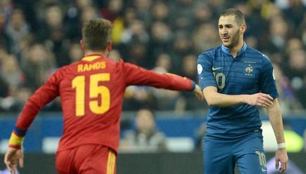 Benzema y Sergio Ramos, en un lance del partido jugado en Saint Denis. | Cordon Press