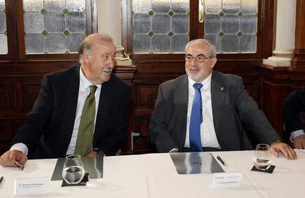 Vicente del Bosque, durante la reunión de patrones del Foro Nueva Murcia. | EFE