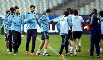Entrenamiento de la selección española en Saint Denis. | EFE