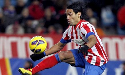 Radamel Falcao, durante un partido con el Atlético de Madrid en el Calderón. | Archivo