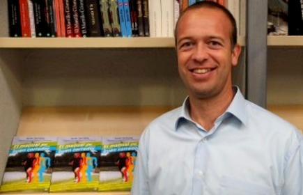 Javier Serrano, autor del libro 'El manual del buen corredor'.   Foto: esferalibros.com