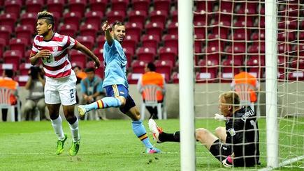 Jesé celebra el primero de sus dos goles a Estados Unidos. | EFE