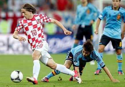 Modric, durante el partido que le enfrentó a la selección española. | EFE