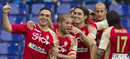 El Sporting ha goleado al Espanyol a domicilio. | EFE