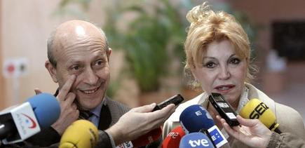 Carmen Cervera, junto al ministro Wert
