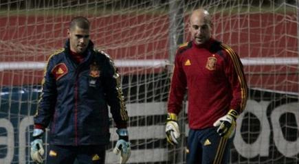 Valdés y Reina, durante el entrenamiento de este miércoles. | EFE