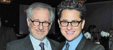 Steven Spielberg junto a J.J. Abrams