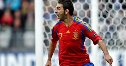 Adrián celebra el tanto del empate. | EFE
