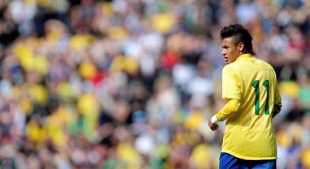 Neymar, durante un partido con la selección brasileña. | Archivo