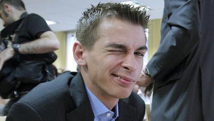 Pablo Soto, creador de Blubster, Piolet y Manolito, guiña un ojo al comienzo del juicio en el que le reclamaban 13 millones de euros. | Archivo/EFE