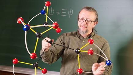 Robert Zoellner, el profesor que ha publicado un artículo sobre la molécula.   U.Humboldt