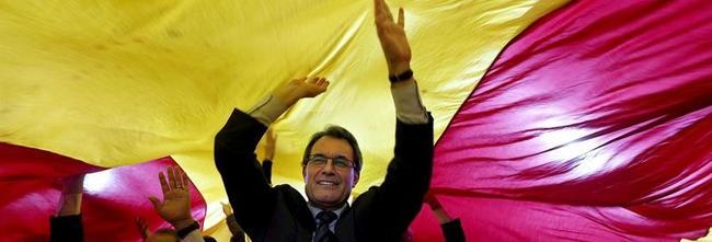 Artur Mas, en un acto electoral este domingo   EFE