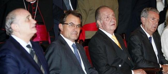 Fernández Díaz, Mas, el Rey y el Conde de Godó en Barcelona   EFE