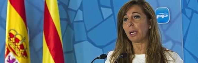 La presidenta del PP popular, Alicia Sánchez Camacho, durante su intervención   EFE