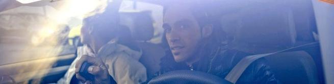 Alberto Contador, saliendo de su domicilio.   EFE