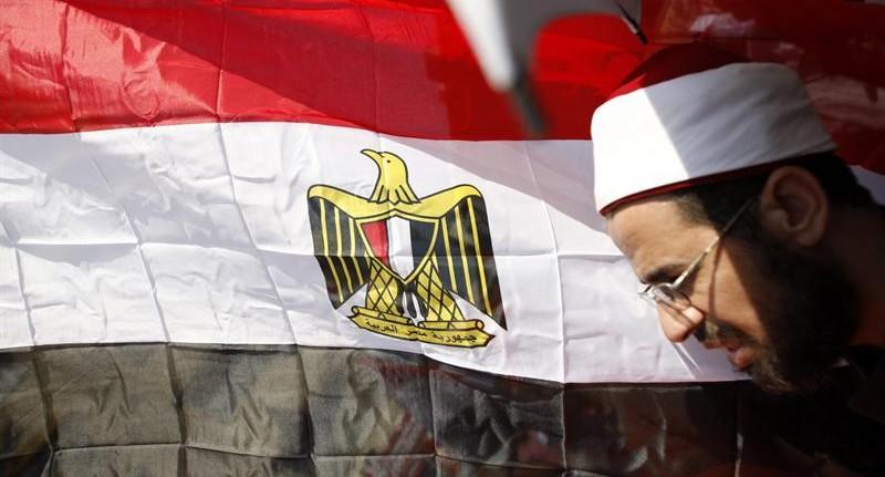 Un clerigo egipcio celebra el triunfo de Mursi | EFE