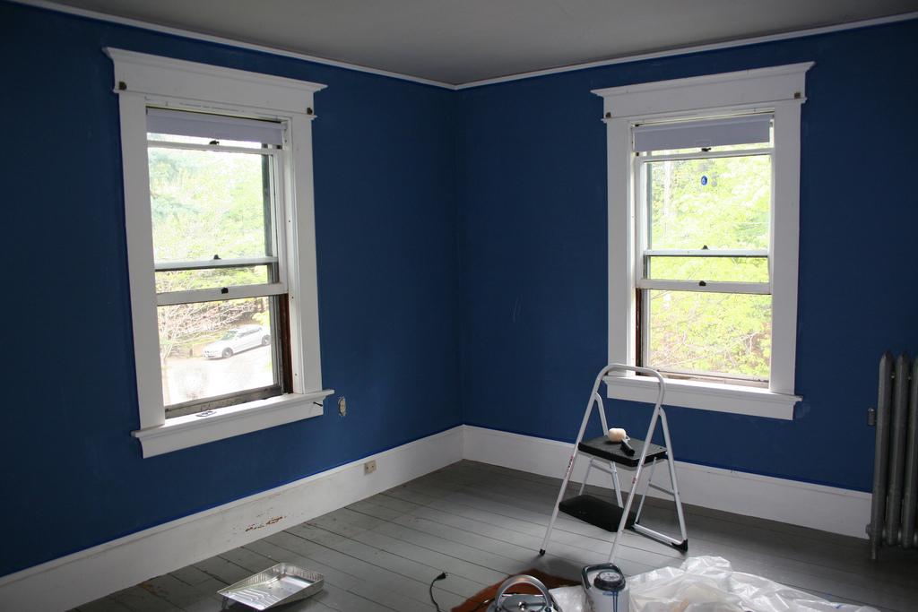 Pintar con encanto a pistola o con rodillo chic - Que color puedo pintar mi casa ...