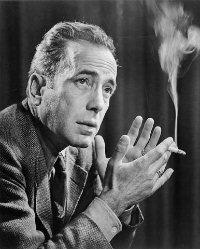 Humphrey Bogart y su inseparable cigarrillo