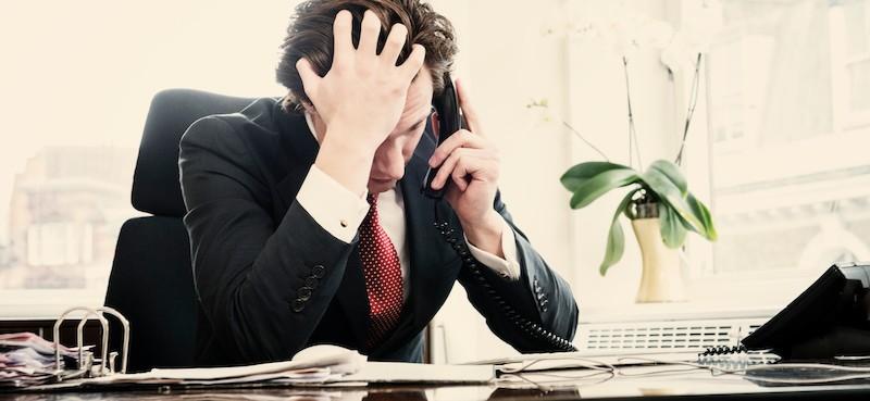 empresario triste preocupado - Problemas del emprendedurismo