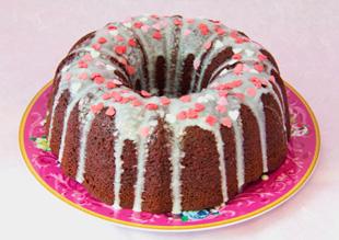 Especial San Valentín: Red Velvet Bundt Cake con Centro de Rosas
