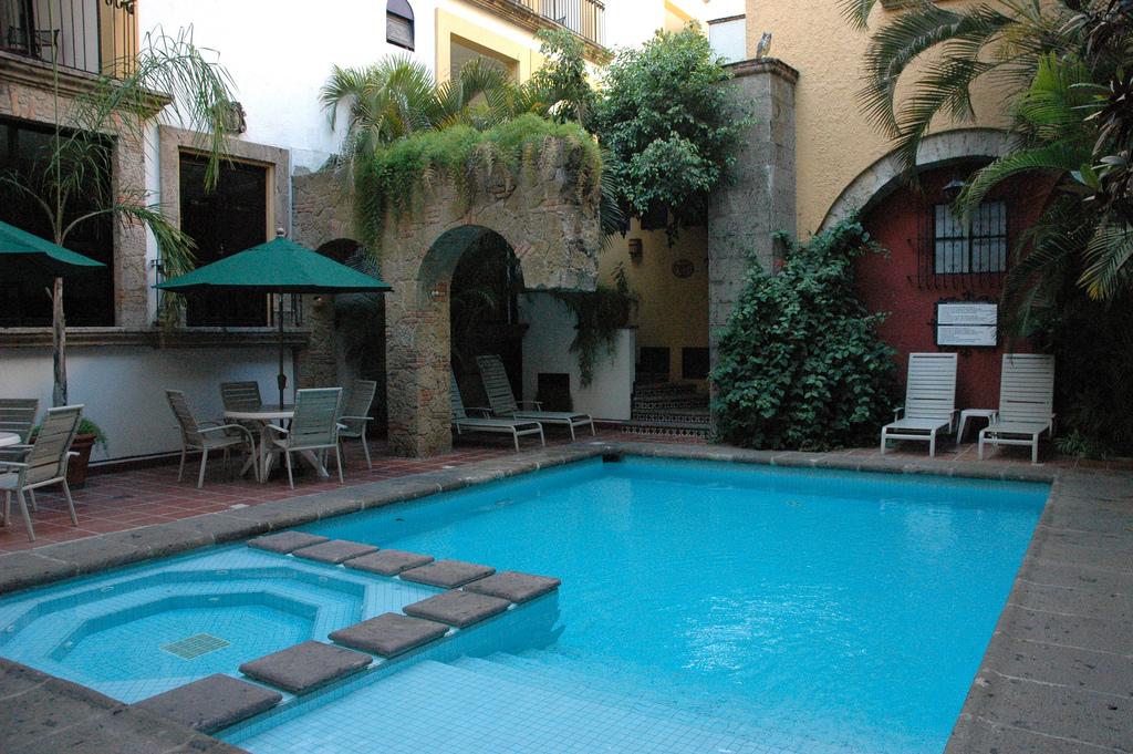 Claves para hacer tu piscina privada - Chic
