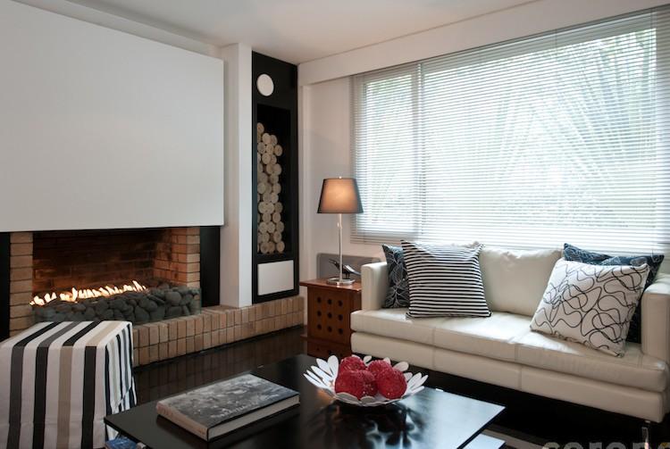 Enciende tu estilo con una buena chimenea chic - Decorar un salon con chimenea ...