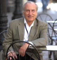 Tomás Eloy Martínez.