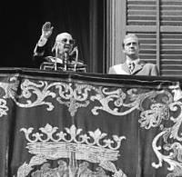 Franco y Don Juan Carlos, en la Plaza de Oriente.