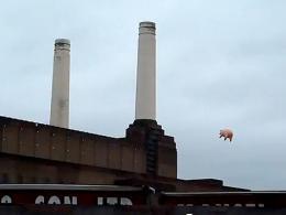 Un cerdo hinchable sobre Londres