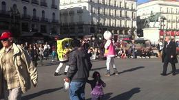 Bob Esponja y Hello Kitty a puñetazos