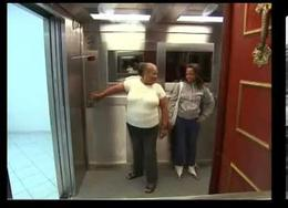 Broma del ascensor, versión cadavérica