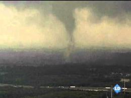 Espectaculares imágenes de un tornado en Texas