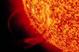 Gigantesca erupción solar