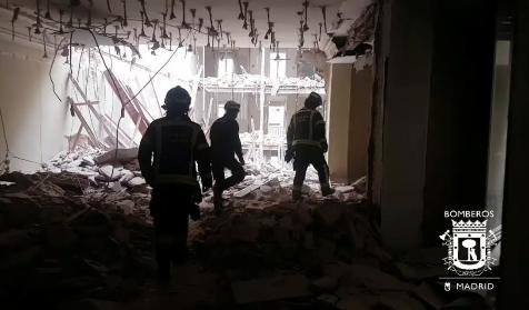 Interior Del Edificio Derrumbado En La Calle General Martinez Campos